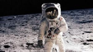 Neil Amstrong fotografiado en la Luna con una lente Zeiss el 20 de Julio del 1969